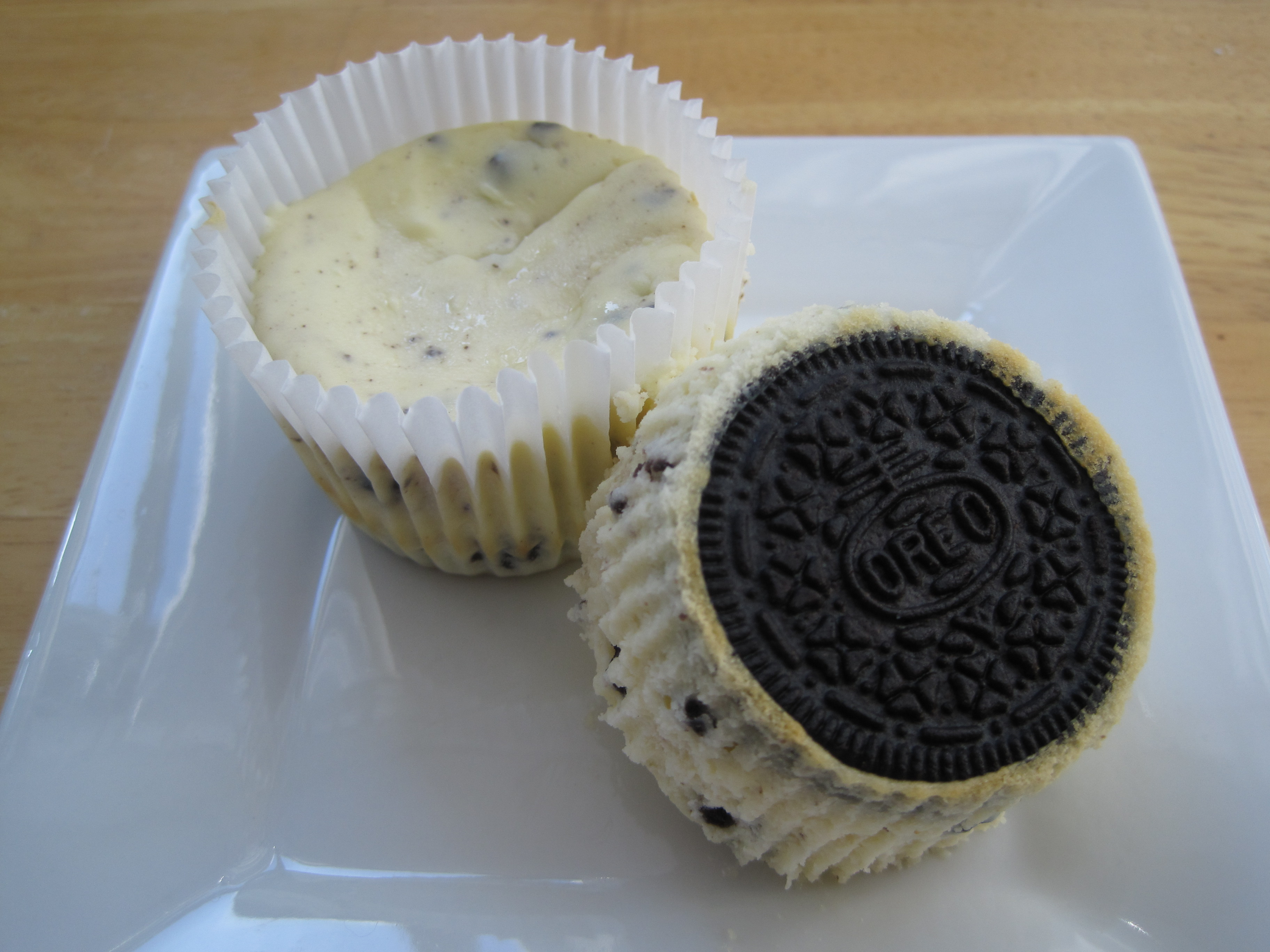 hersheys cookies and cream cupcakes