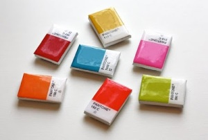 DIY-pantone-chip-magnets